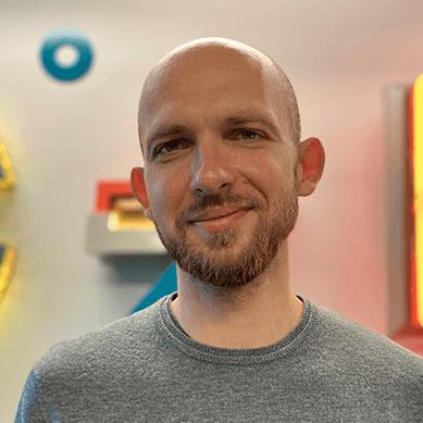 <strong>Filip Beznicki</strong></br> Digital Growth Director, Saatchi & Saatchi.